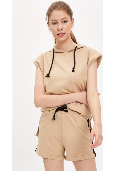 Defacto Kadın Relax Fit Örme Kolsuz T-Shirt Ve Mini Şort Takım