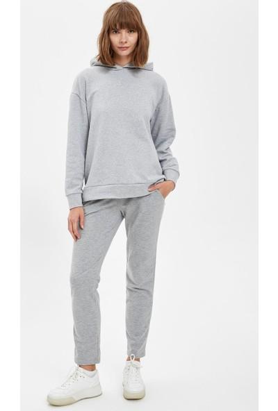 DeFacto Regular Fit Kapüşonlu Cepsiz Uzun Kollu Sweatshirt R4740AZ20AU