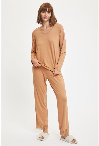 Defacto Kadın Bilekte Dantel Detaylı Pijama Takımı
