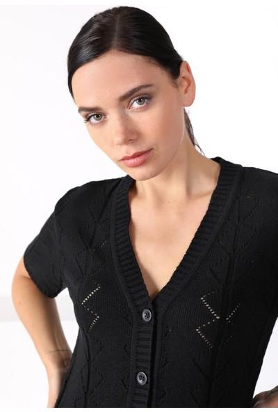 Ferraro Siyah V Yaka Düğmeli Kadın Triko Hırka