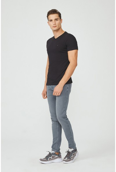 Avva Erkek Siyah V Yaka Düz T-Shirt E001001