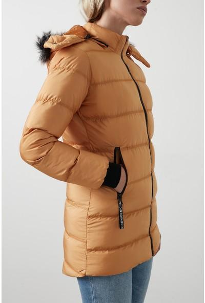 Lelayakası Suni Kürklü Çıkarılabilir Kapüşonlu Uzun Şişme Mont Kadın Mont 5761070