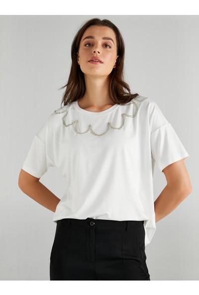 Faik Sönmez Kadın Yakası Işlemeli Bisiklet Yaka T-Shirt 61636