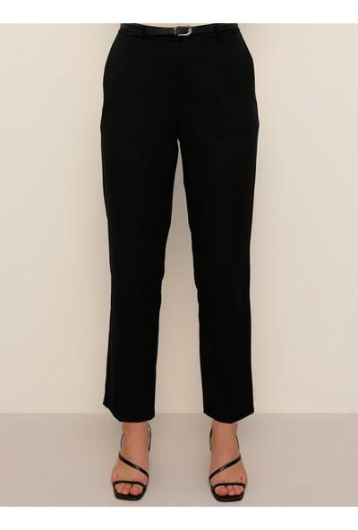 Alia Kemer Detaylı Pantolon Siyah