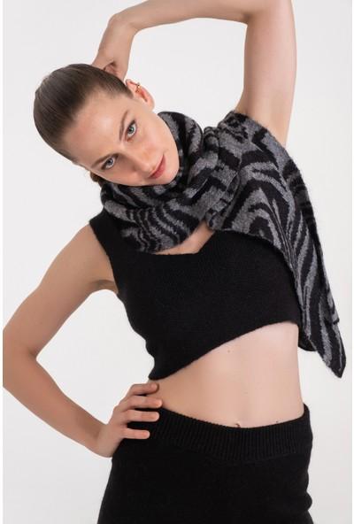 Atelier 38 Kadın Zebra Desen Moher Atkı Şal