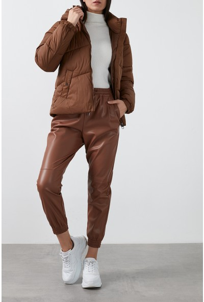 Vero Moda Vmupsala Regular Fit Kapüşonlu Şişme Mont Kadın Mont 10232606