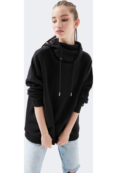 Mavi Kadın Maskeli Kapüşonlu Siyah Sweatshirt 1600434-900
