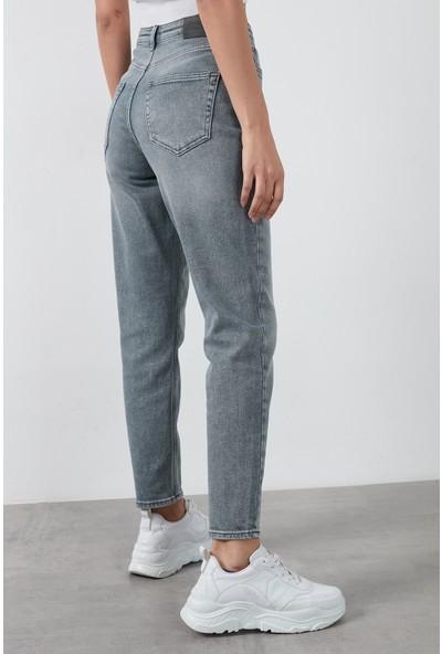 Only Onlveneda Yüksek Bel Pamuklu Mom Jeans Kadın Kot Pantolon 15217562 Gri S - 32