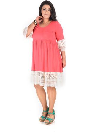 Plus Eteği ve Kolu İşli Mercan Elbise 44-46