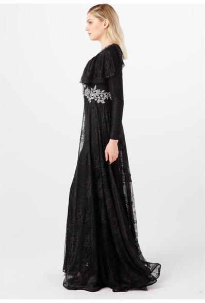 Esswaap Siyah Ön Bel ve Yaka Taşlı Volan Detaylı Şık Abiye Elbise 42