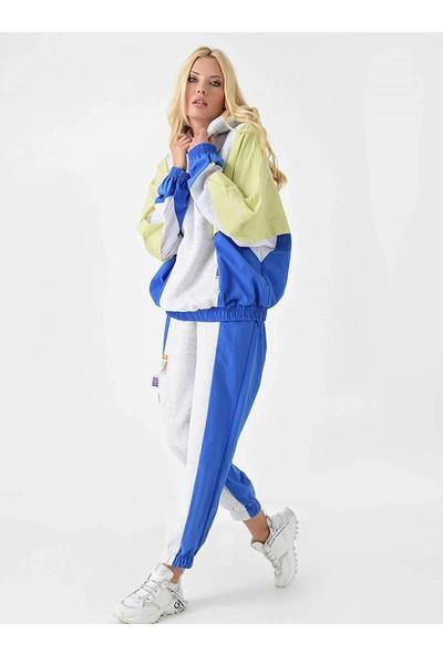 Begonvil Kadın Gri Kapüşonlu Blok Renkli Paraşüt Kumaş Polarlı Eşofman Takımı