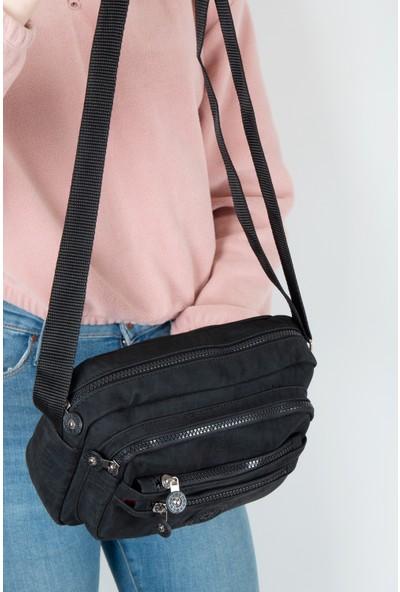 Byhakan HK-068 Krinkıl Kumaş Kadın Çapraz Çanta Siyah