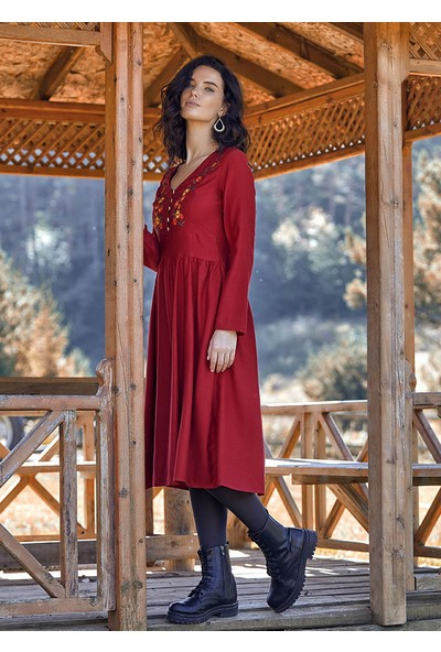 Clandestino Önü İşlemeli Midi Boy Bohem Tarz Elbise Kırmızı