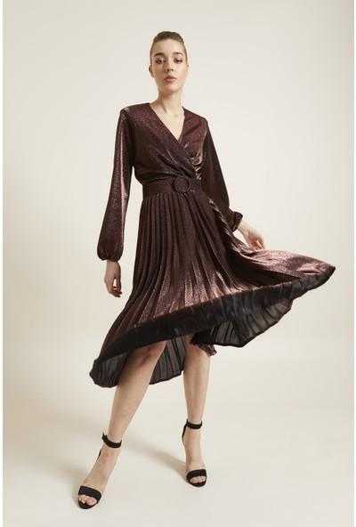 adL Kadın Kemerli Örme Pliseli Elbise