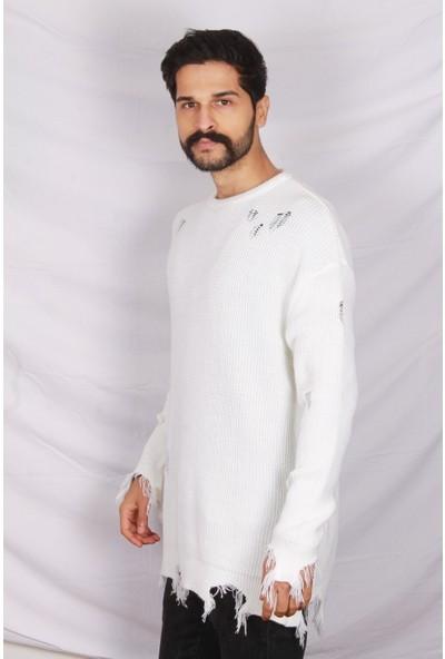 Erkek Beyaz Yırtık Kazak