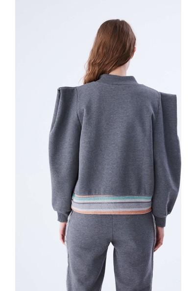 Roman Omuz ve Bel Detaylı Gri Sweatshirt-K2154103-046