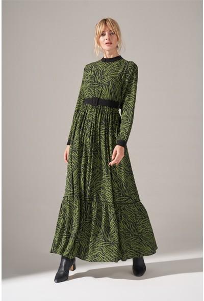 Mizalle Kumaş Kemerli Desenli Elbise (Yeşil)