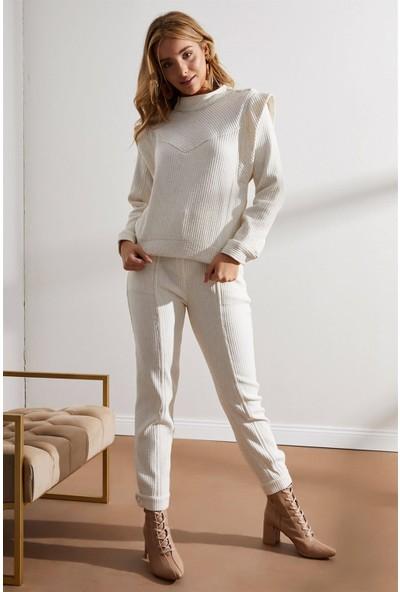 Setre Ekru Omuzları Vatkalı Bluz Havuç Pantolon Takım