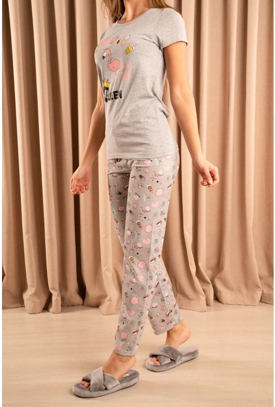 Hadise Queen Flamingo Baskılı Baskılı Pijama Takımı Gri