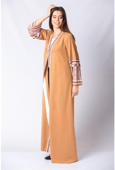Güzey Kolları Püsküllü Abaya - Camel