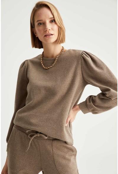 Defacto Kadın Büzgülü Omuzlu Balon Kollu Sweatshirt