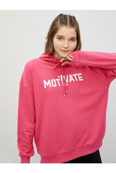 Koton Pamuklu Kapüşonlu Yazılı Baskılı Sweatshirt