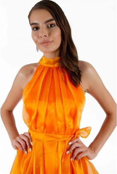 Carmen Turuncu Pileli Kuşaklı Organze Kısa Abiye Elbise