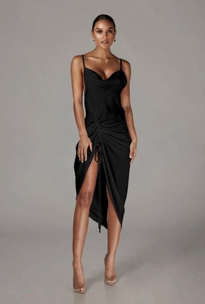 Ergü Kadın Siyah Degaje Yaka Ip Askılı Ayarlanabilir Büzgü Detaylı Boy Elbise