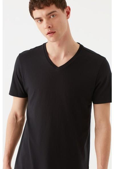 Mavi Erkek V Yaka Siyah Basic Tişört 065586-900