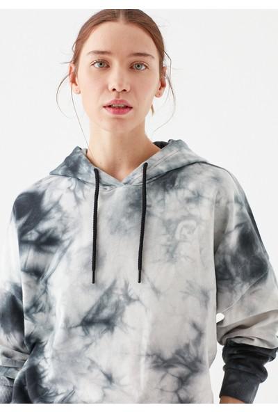 Mavi Kadın Icon Batik Desenli Kapüşonlu Sweatshirt 1600607-31488
