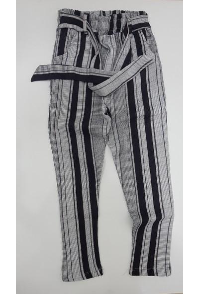 Isobel Bürümcük Kumaş Yazlık Kemer Modelli Kız Çocuk Pantolonu Bürümcük Kumaş Yazlık Kemer Modelli Kız Çocuk Pantolonu