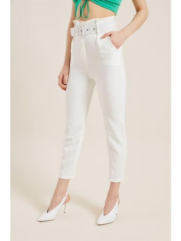 Z Giyim Kadın Beyaz Kemerli Yüksek Bel Kumaş Pantolon