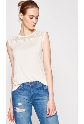Koton Kadın Dantel Detaylı T-Shirt Ekru