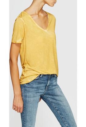 Mavi V Yaka Sarı T-Shirt