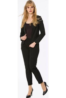 Bexy Murcia İnce Çizgili Kısa Şık Siyah Ceket