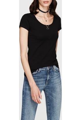 Mavi Siyah Geniş Yaka Streç T-Shirt