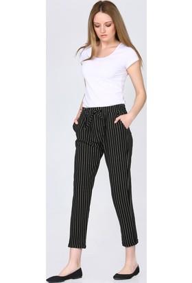 Major Bel Bağlama Cep Detay Dikine Siyah Beyaz Çizgili Pantolon