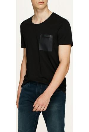 Mavi Cepli Siyah T-Shirt