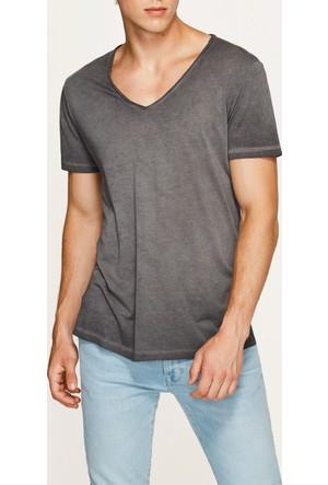 Mavi V Yaka Siyah T-Shirt