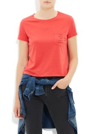 Mavi Canlı Kırmızı Cepli T-Shirt