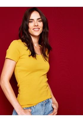 Koton Kadın Oyuk Yaka T-Shirt Hardal