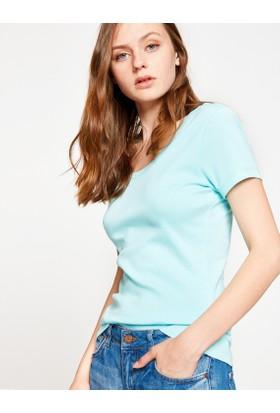 Koton Kadın Oyuk Yaka T-Shirt Yeşil