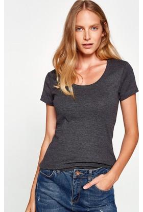Koton Kadın Oyuk Yaka T-Shirt Gri