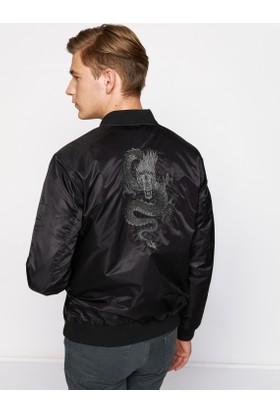 Koton Erkek İşlemeli Bomber Ceket Siyah