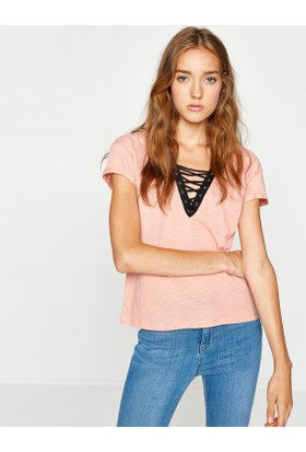 Koton Kadın Yaka Detaylı T-Shirt Pembe