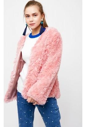 Eka Peluşlu Cepli Ceket