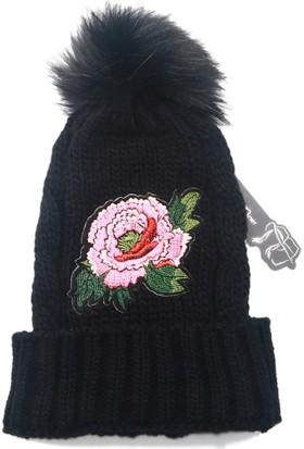 Kışlık Bere Bayan Örgü Şapka