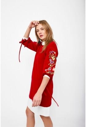 Eka Kolları Nakış İşlemeli Yetim Kol Triko Elbise