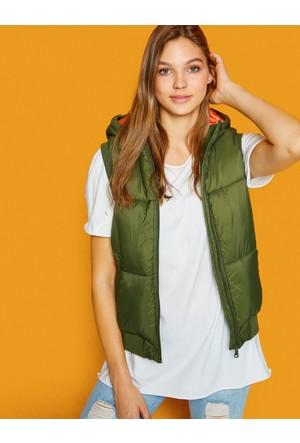 Koton Kadın Dolgu Yelek Yeşil
