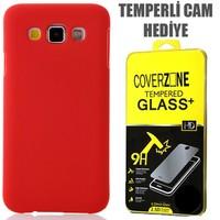 CoverZone Samsung Galaxy E7 Kılıf Rubber Sert Arka Kapak Kırmızı + Temperli Cam